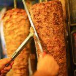 Un copil a murit după ce a consumat o șaormă de la un restaurant din București!